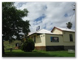 Post Office Caravan Park - Mullaley: Post Office Hotel is directly behind the park.