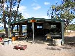 Harbour View Caravan Park - Cowell: Camp kitchen and BBQ area
